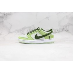 StrangeLove x Nike SB Dunk Low Green CT2552-700